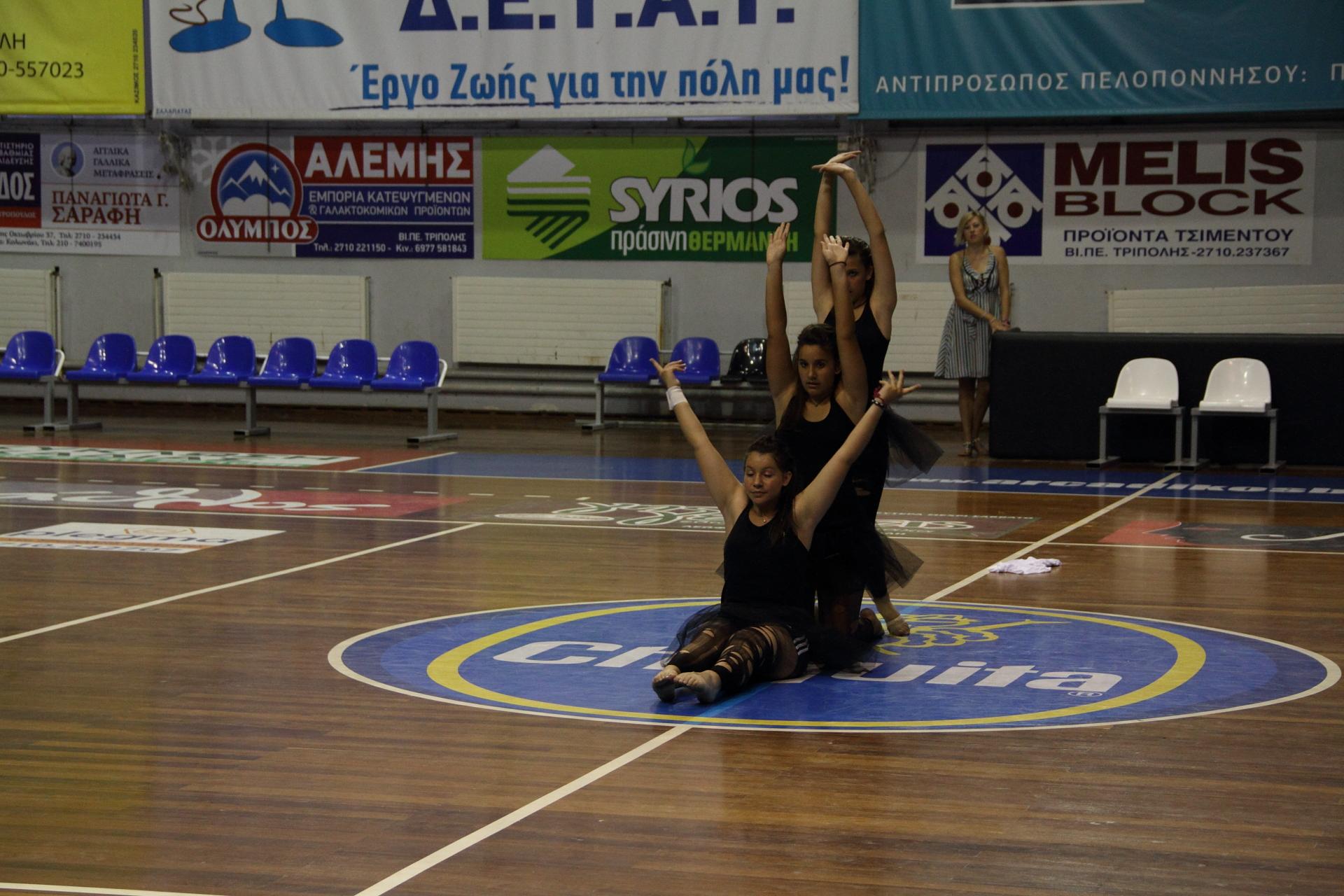 3o Τμήμα Modern Dance 4η Παράσταση Γυμναστηρίου »Top Gym»- »3 girls»